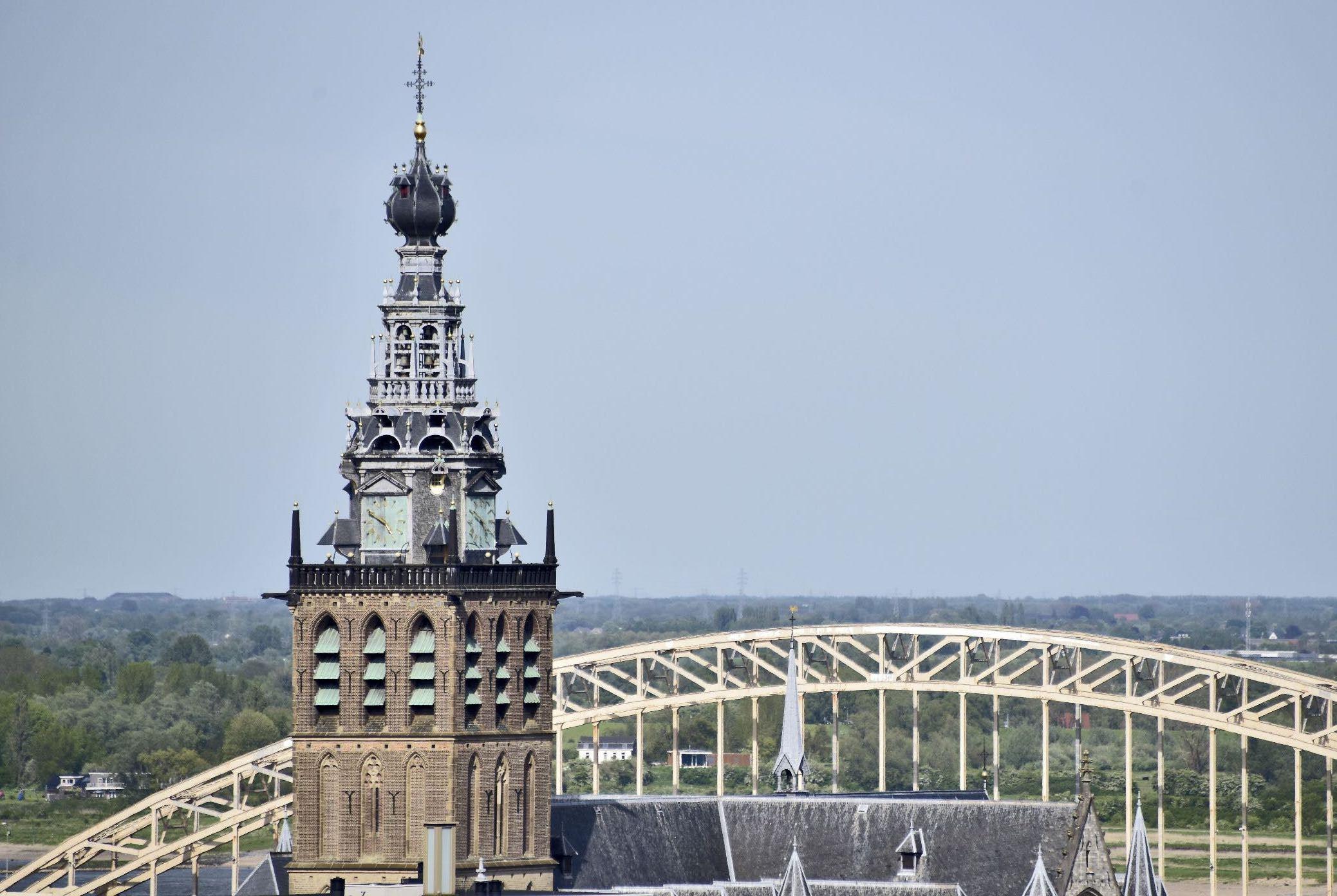Stevenstoren met Waalbrug