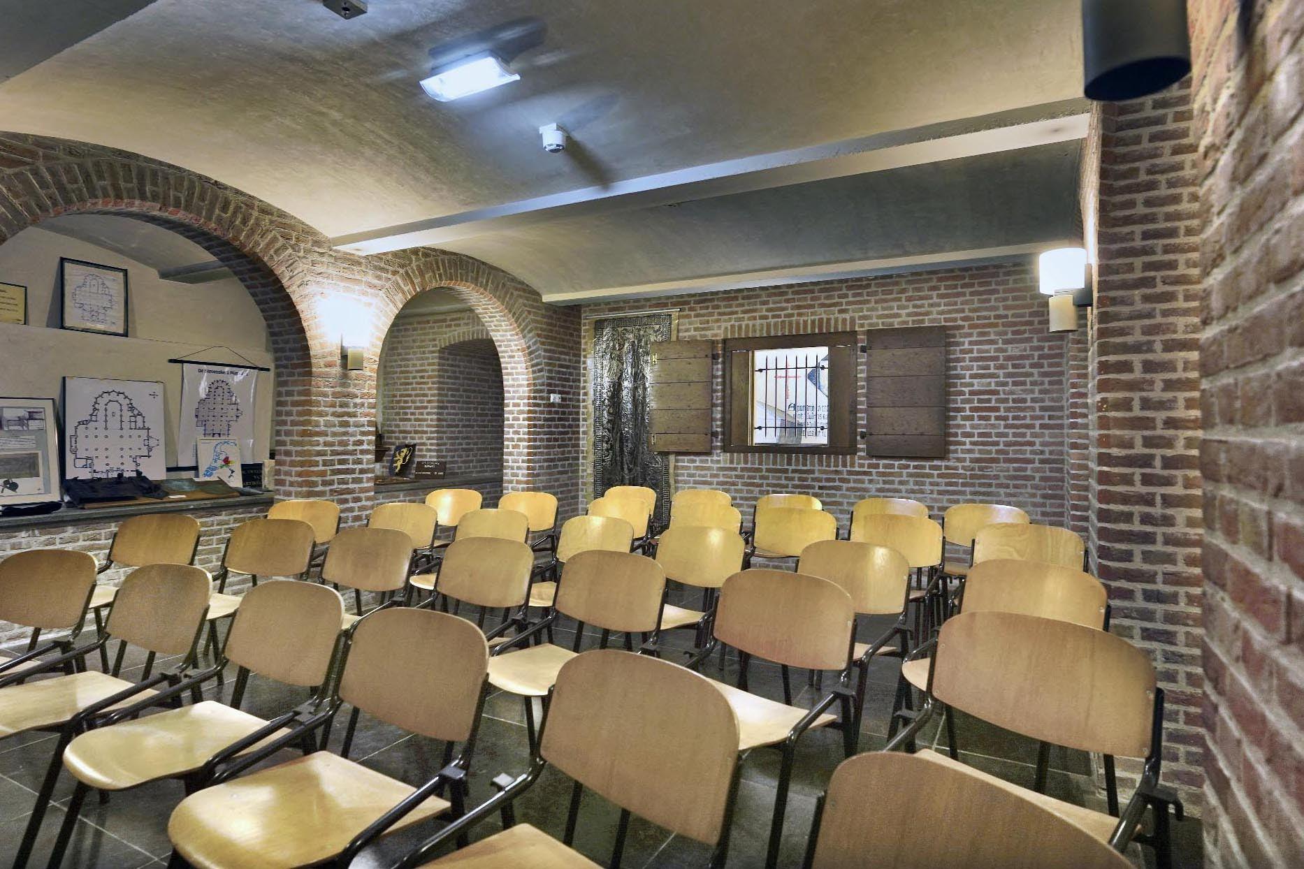 Crypte Stevenskerk met presentatie-opstelling