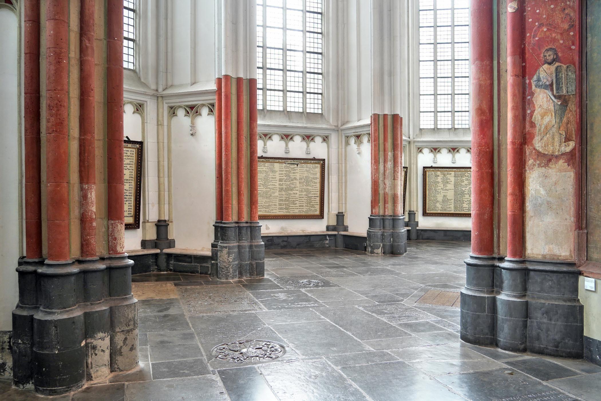 Kooromgang Stevenskerk met muurschildering