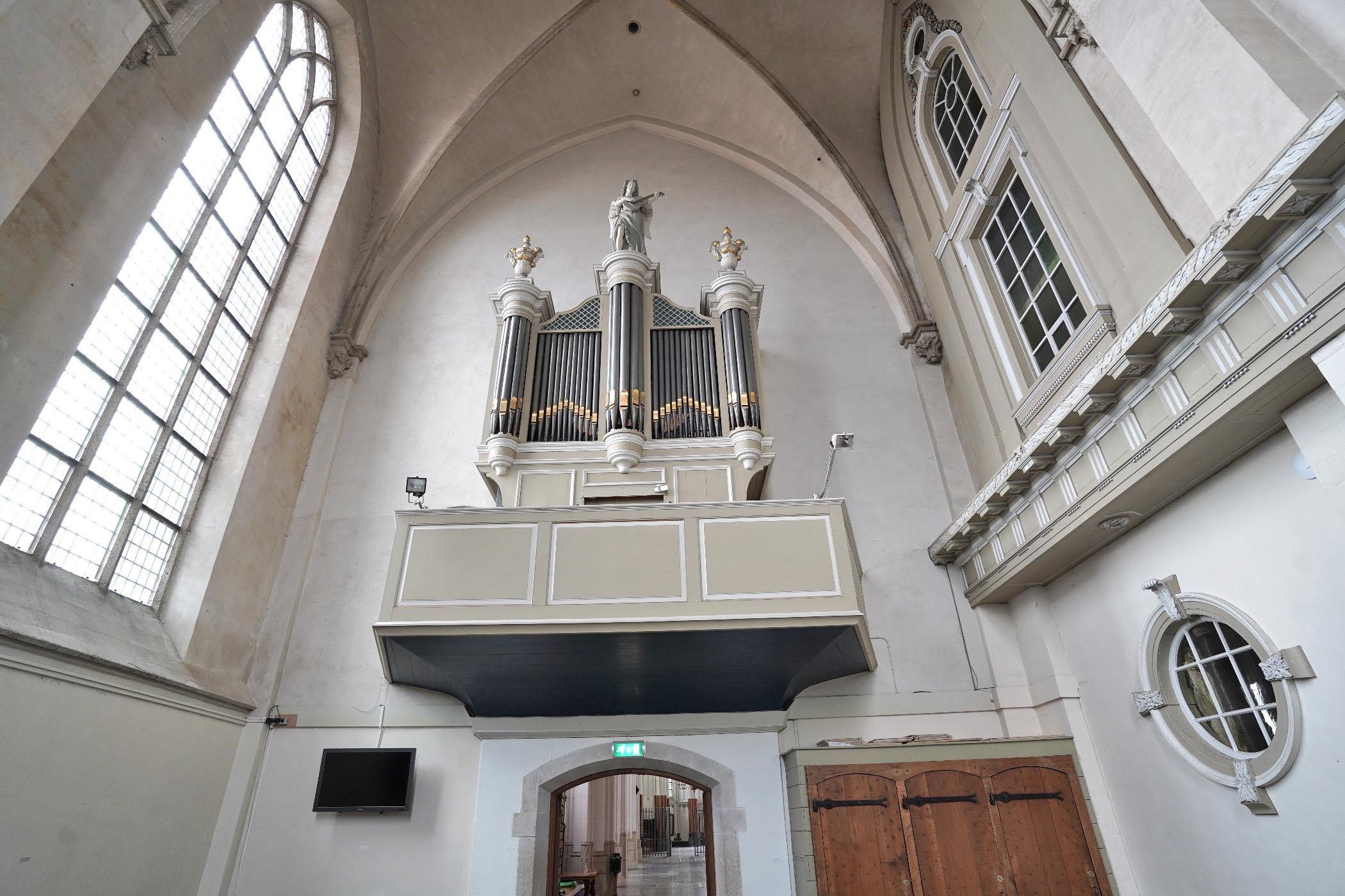 Noorderkapel Stevenskerk gezien naar de kerk
