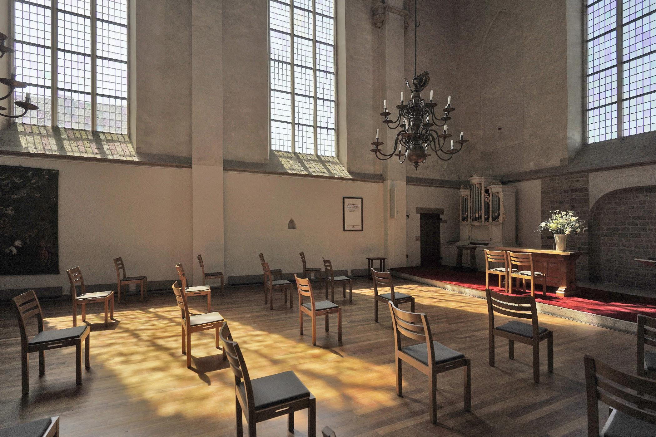 Zuiderkapel Stevenskerk met lichtinval